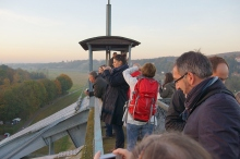 "Auf dem Pylon der Elbebrücke ""Blaues Wunder"" (Foto: Nicolas Janberg / Structurae)"